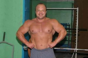 Владимир Кравцов - один из сильнейших жимовиков России