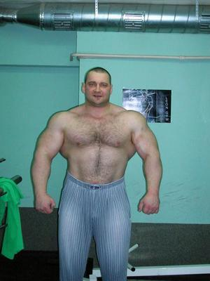 Юрий Фомин - пауэрлифтер, стронгмен и персональный тренер