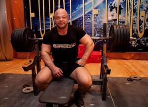 Дядя Вова - фильм о подготовке Кравцова к рекорду Европы